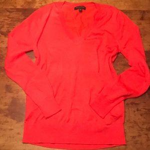 🍋BANANA REPUBLIC Merino wool orange Vneck sweater